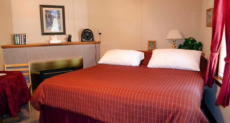 One king bed suite at Crandell Mountain Lodge