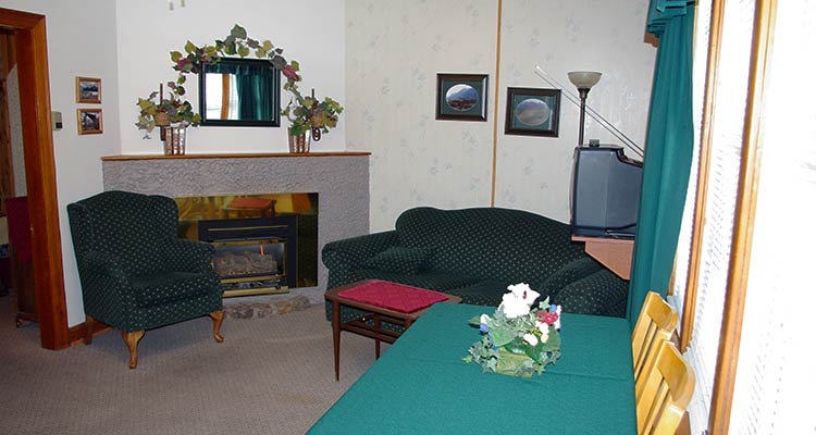 A image of the Three Room Suite at Cradnell